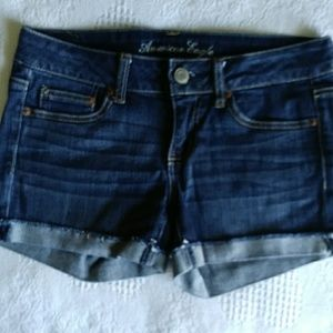 American Eagle low-rise shorts Size 4